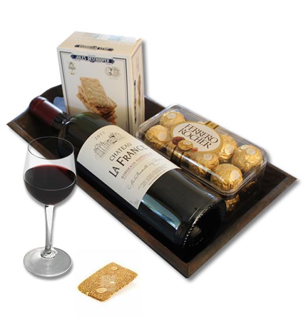 Bordeaux Ch�teau La France - Ferrero Rocher - Jules Destroopere on a wooden tray